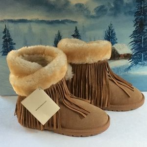 NWT..LAMO ESSENTIAL UGG STYLE BOOTS SZ 6L